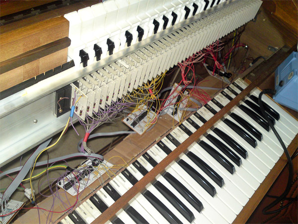 chipophone_8_bit_synthesizer_2